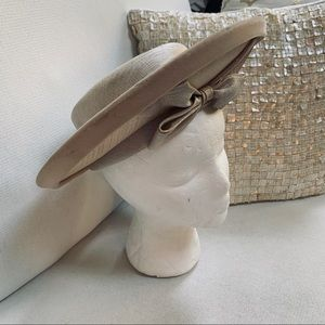 Vintage Accessories - VINTAGE Audrey New York Hat EUVC Bow detail